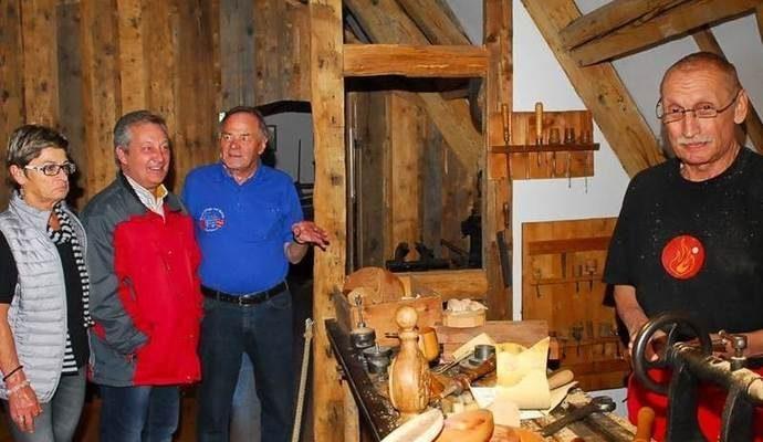 Handwerk zum Leben erweckt: Sonderausstellungen im Kämpfelbacher Heimatmuseum
